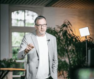 Martin Lieske ist Trauerredner und Inhaber von Freie Redner